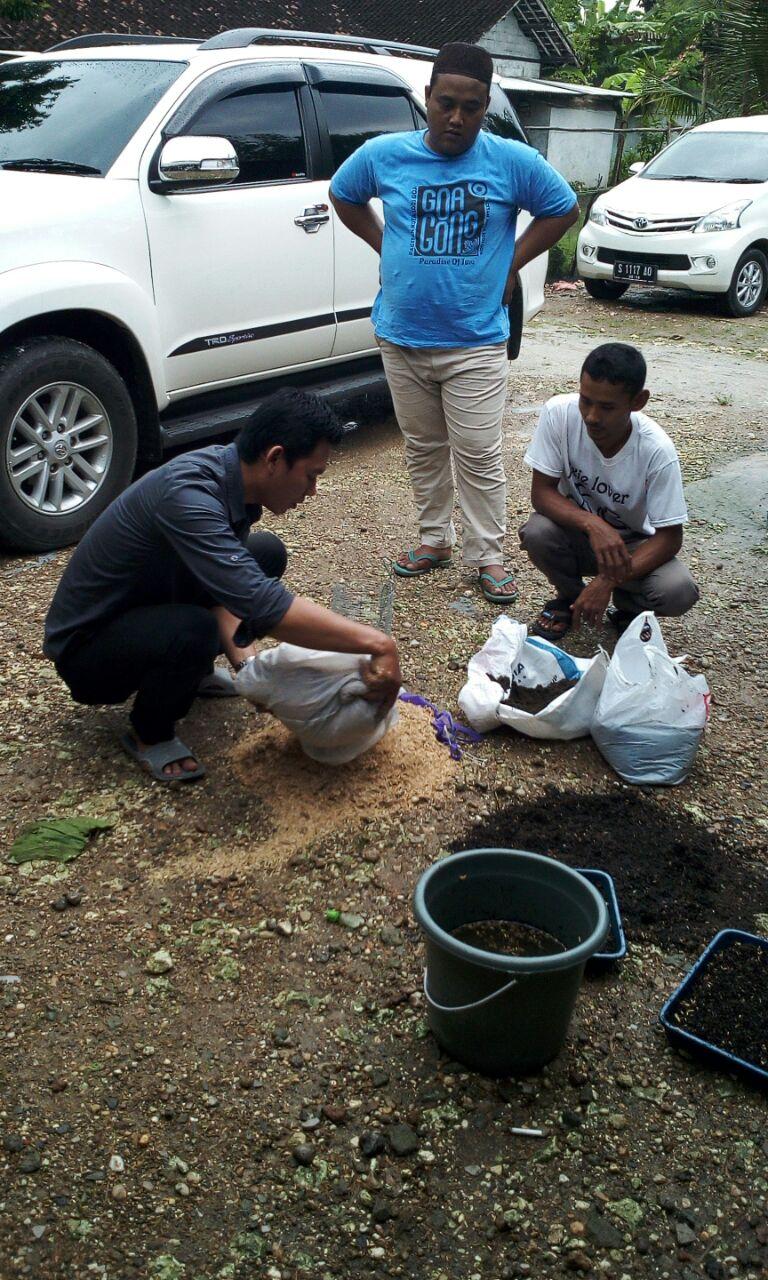 Sekolah lapang pertanian Kerjasama LPPM Unigoro & EMCL